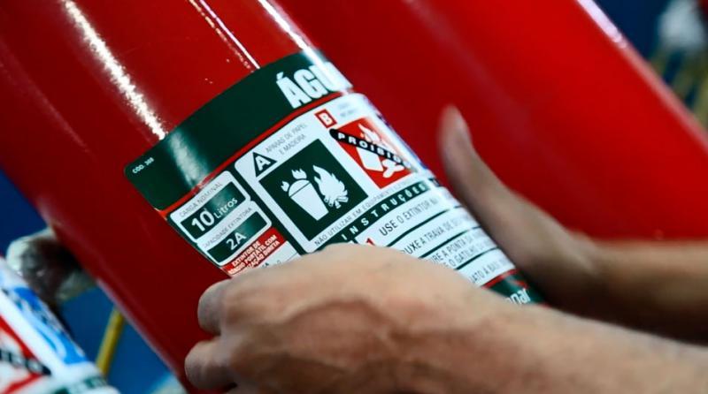 Inspeção de extintores de incêndio